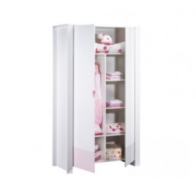 Rangez les affaires de votre bébé dans une armoire
